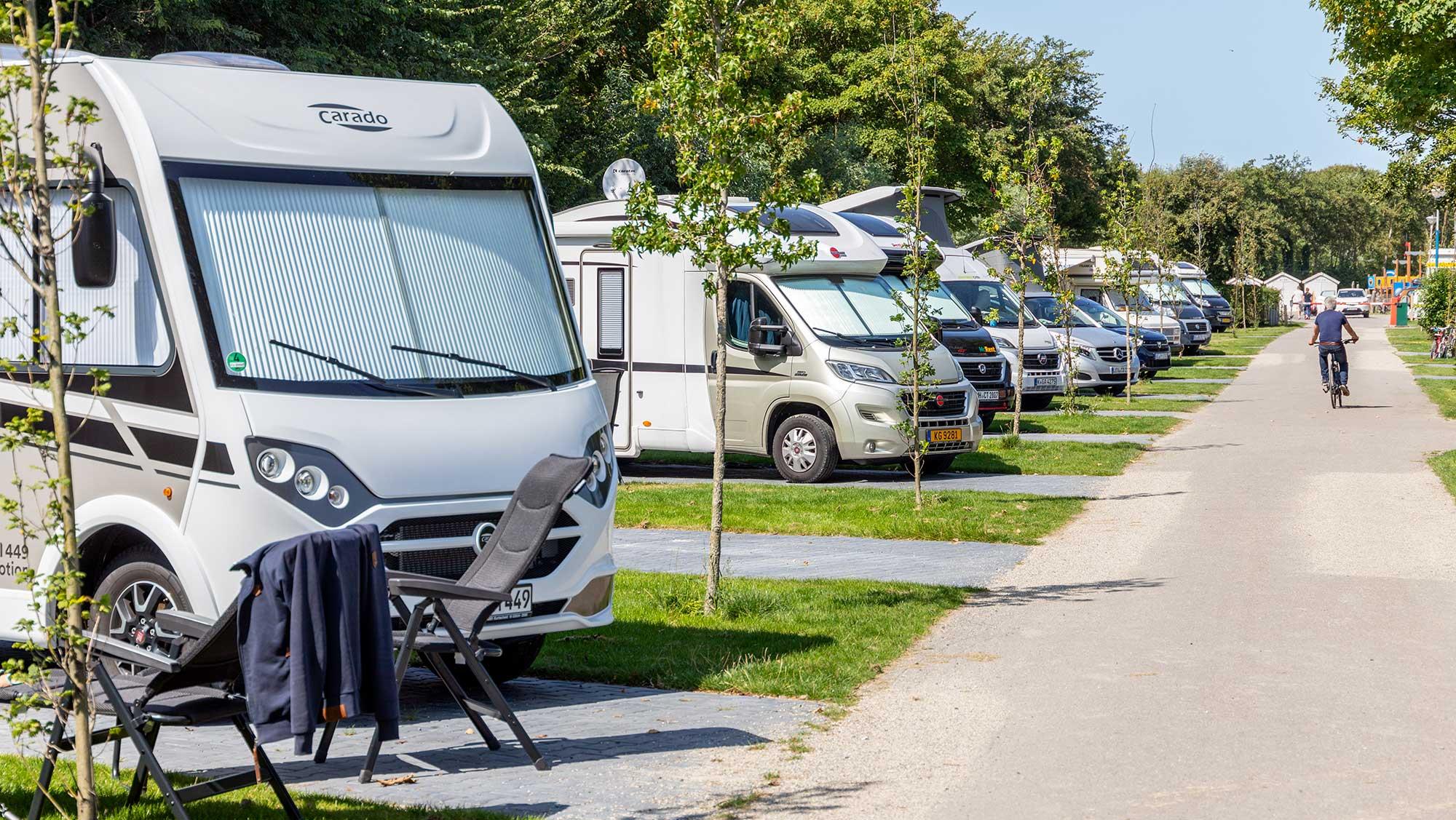 Campercomfortplaats kamperen Molecaten Park Hoogduin 01