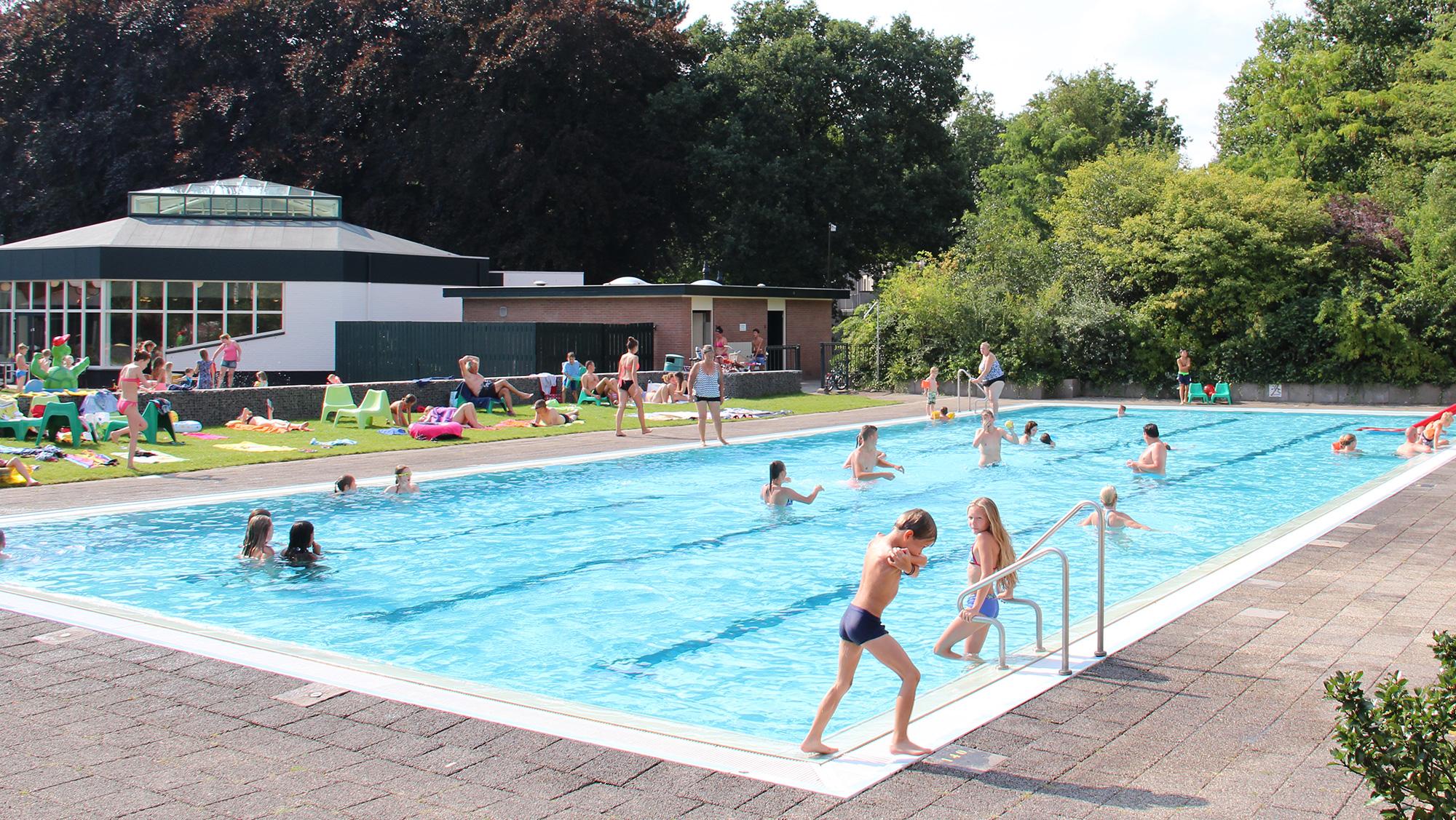 Molecaten Park Landgoed Ginkelduin 01 buitenzwembad