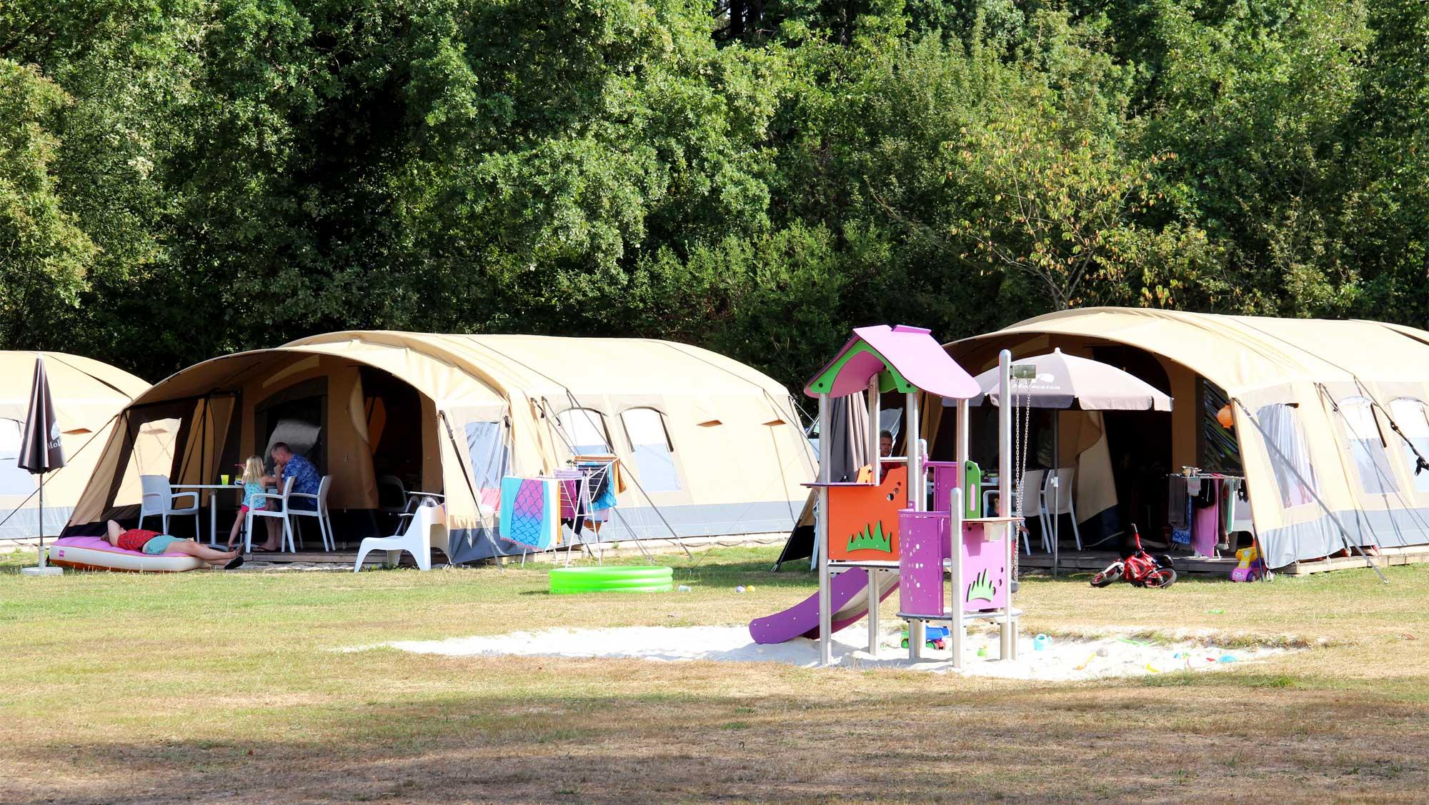 6pers ingerichte Molecaten tent Molecaten Park t Hout 03