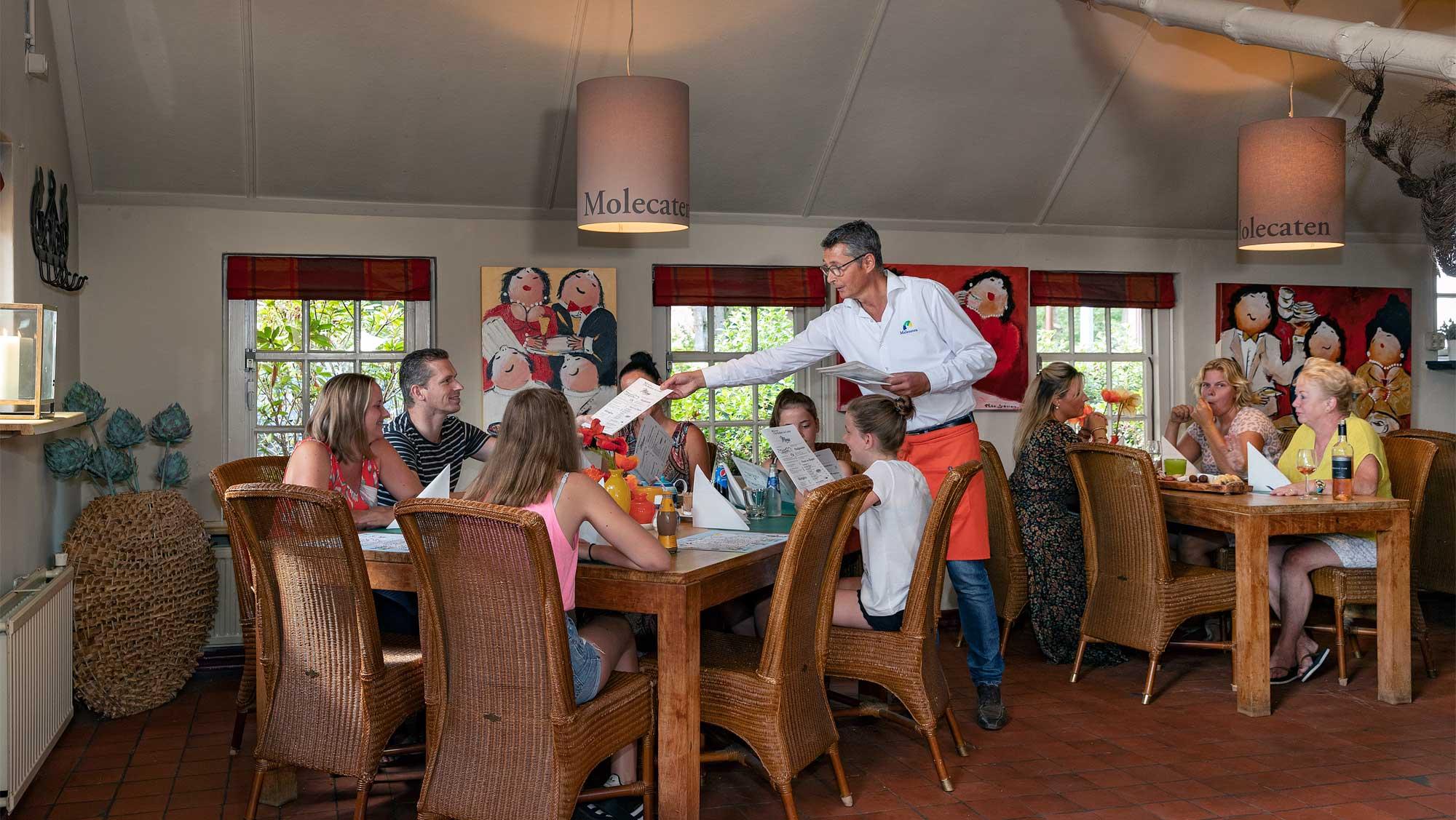 Restaurant De Keuken van Caatje Molecaten Park De Leemkule 08