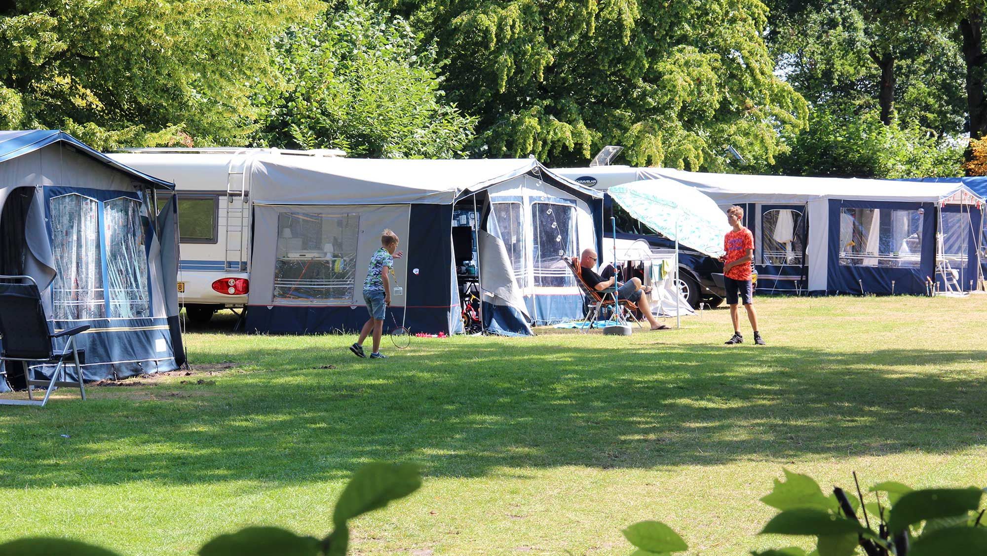 Seizoenplaats kamperen Molecaten Park Bosbad Hoeven 03