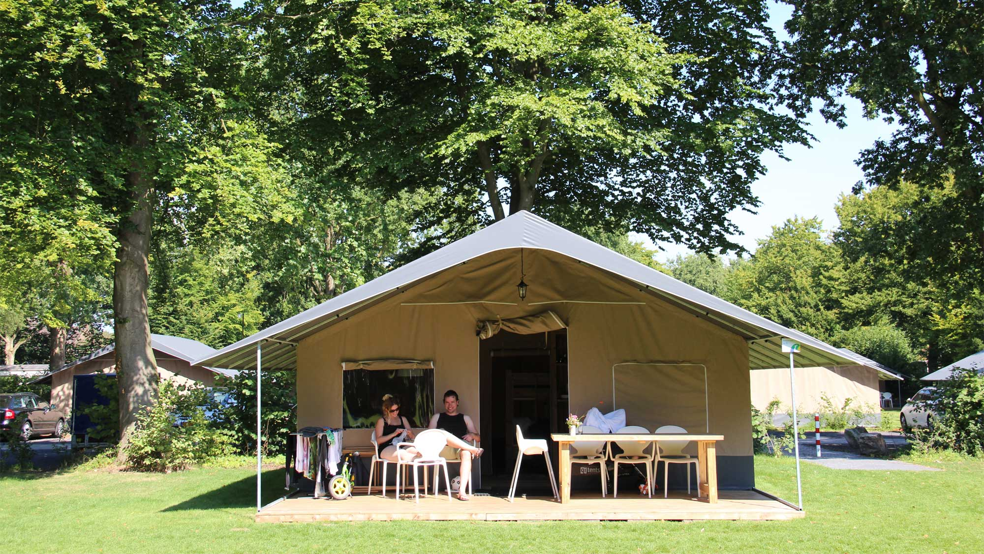 6pers ingerichte Brabant tent Molecaten Park Bosbad Hoeven 01